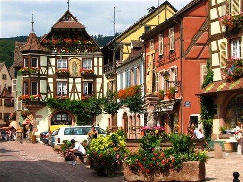 Rue Artisanat Dambach La Ville
